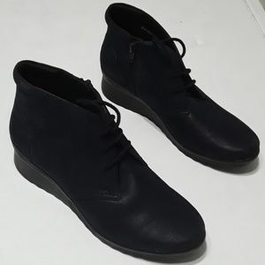 Clarks Cadell Hop ankle boots